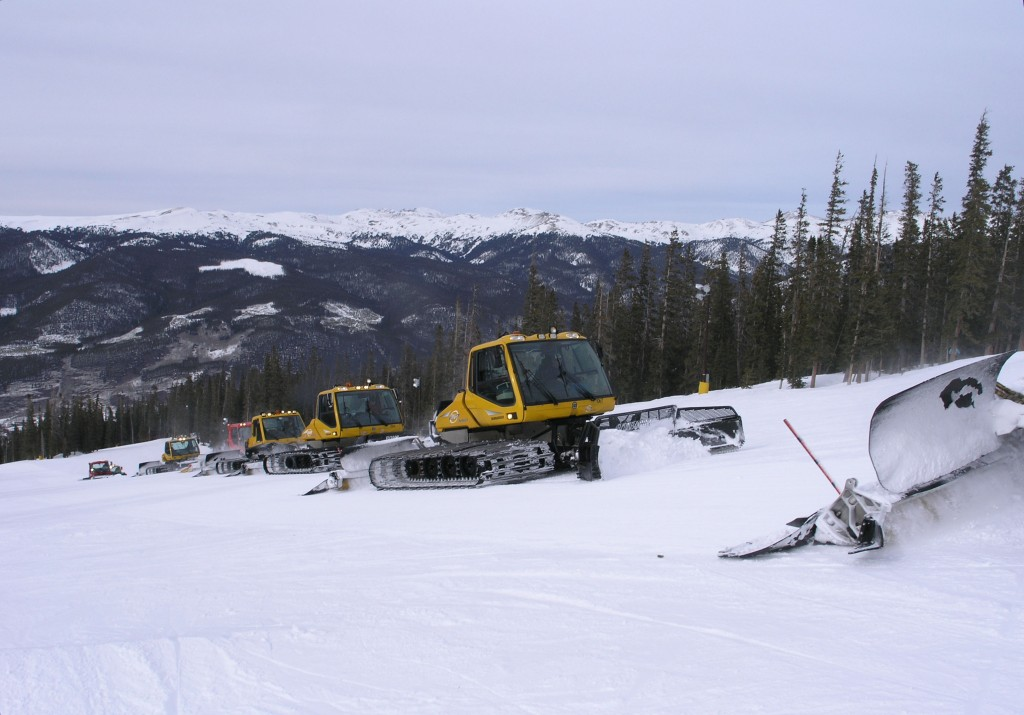 Mid-day grooming at Keystone, March 2006