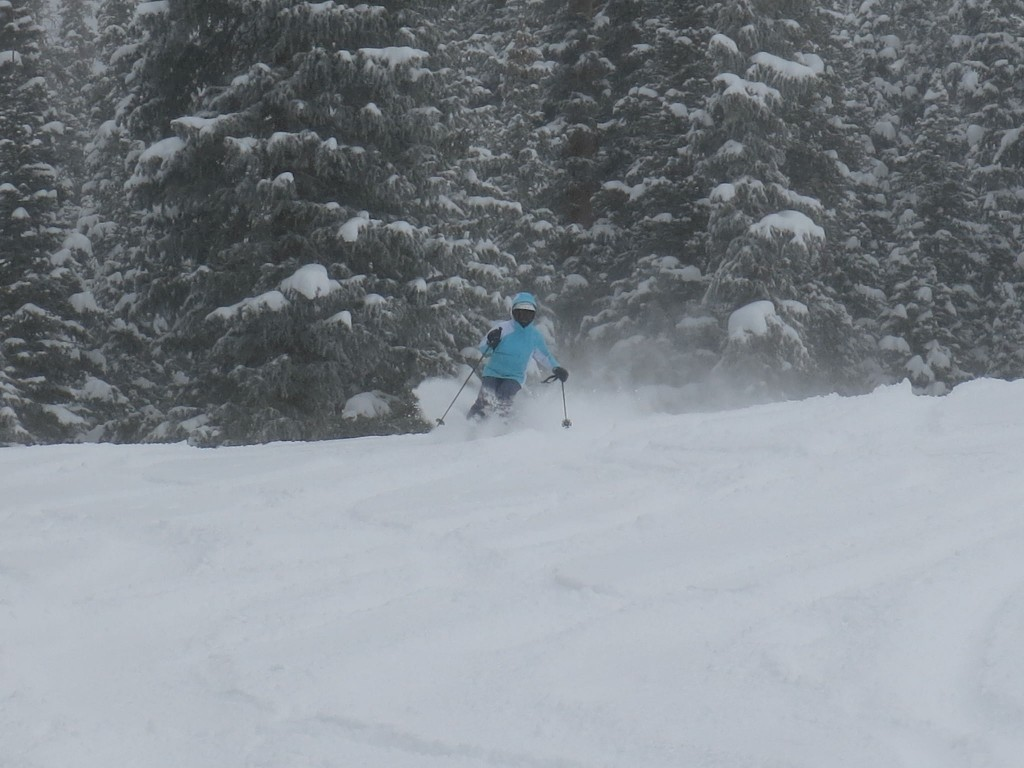 AiRung skiing powder at Keystone, Dec 16, 2015