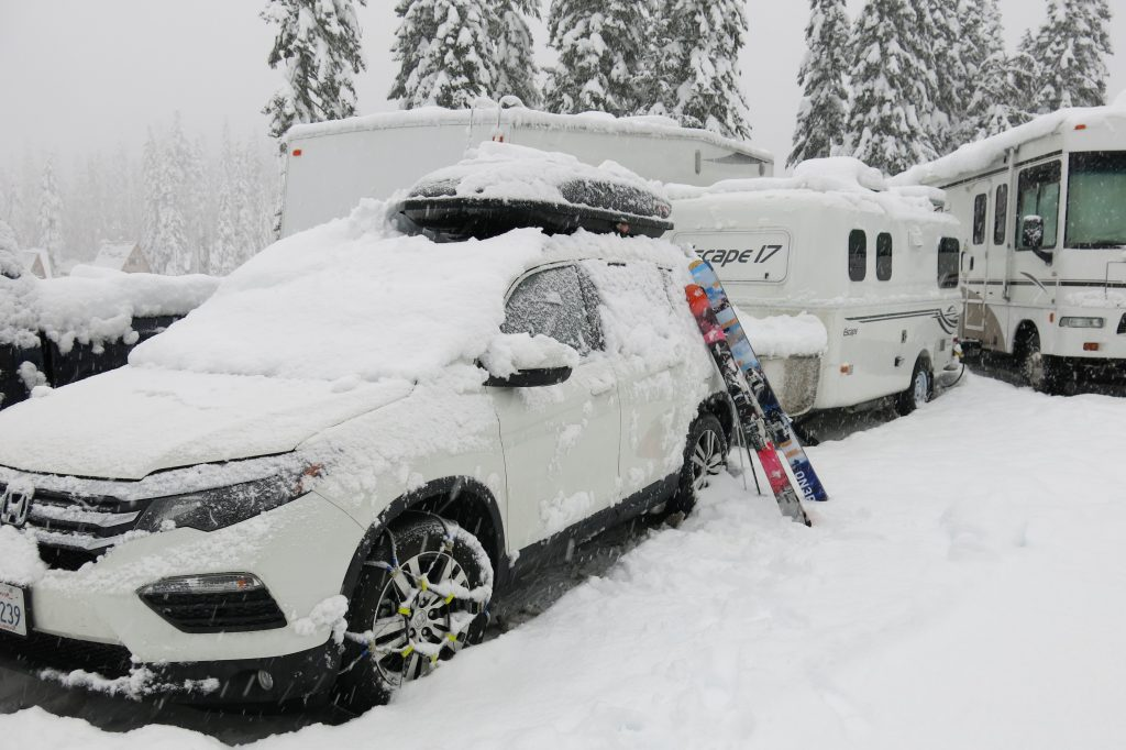 RV Parking at Stevens Pass, December 2017
