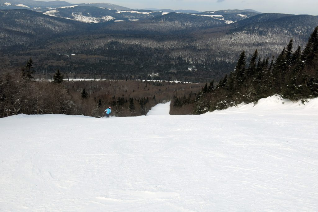 North Side groomer at Monte-Sainte-Anne, Quebec, February 2018