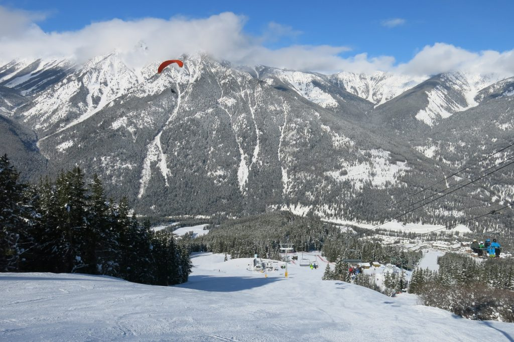 Paragliding at Panorama off the Champaign lift, February 2018