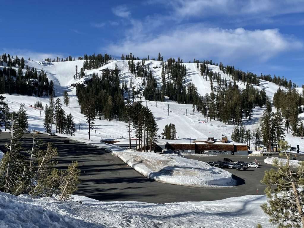 Light weekday crowd at Bear Valley, March 2021